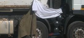 muncitor-strivit-camion-autostrada-2